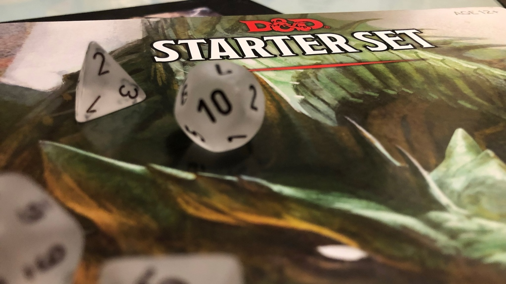dungeons and dragons starter manual with clear dice
